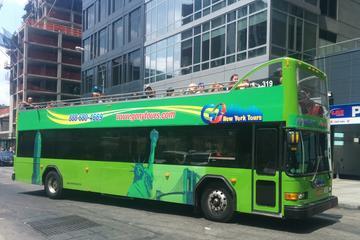Excursão noturna em ônibus de dois andares em Nova York
