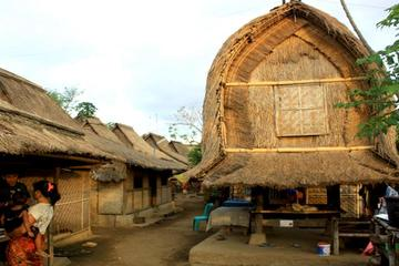 Full-Day Private Sasak Culture and Southern Beaches Tour from Senggigi