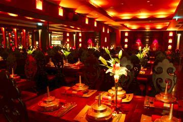 Cena de lujo en Pekín en Lost Heaven...