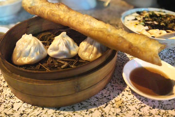 3-Hour Walking Tour: Old Town Morning With Authentic Shanghainese...