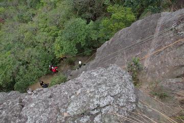 Experiencia de escalada en roca en Rehai de medio día