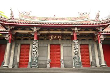 台北観光:文化的名所、繁華街、食べ物を訪ねるオ…