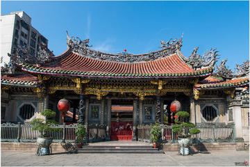 Private 4-hour Morning Walking Tour of the West District of Taipei
