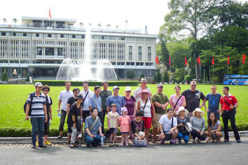 Full Day Ho Chi Minh City and Cu Chi Tunnels Tour with Lunch
