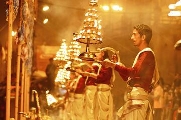 Tour del rito aarti de 3 horas en Varanasi por la noche