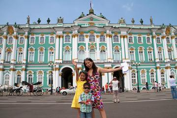 Tour privato personalizzato di un giorno a San Pietroburgo