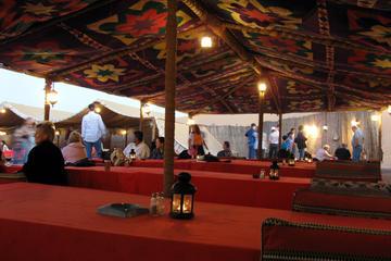 Safári em acampamento de deserto ao estilo beduíno saindo de Dubai
