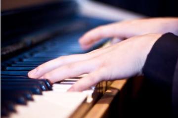 Recorrido por los piano bares y teatros musicales en Greenwich Village