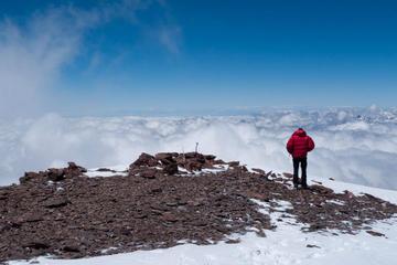 Um dia inteiro de trekking nos Andes