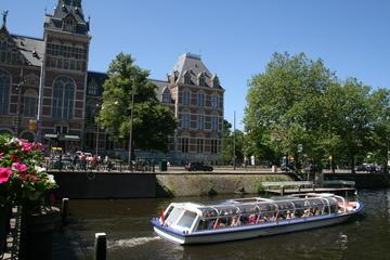 アムステルダムの運河ツアーとゴッホ美術館と国立…