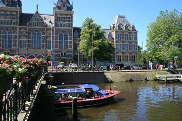 アムステルダムの運河ツアーとゴッホ美術館と国立美術館