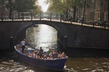 Crucero por el canal en barco abierto en Ámsterdam