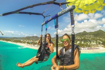 Orient Beach parachute ascensionnel à Saint-Martin