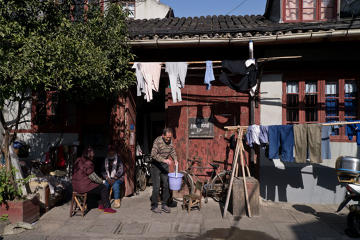 Historic Shanghai in Glance Walking Tour