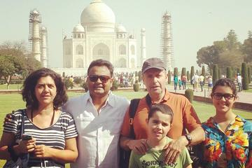Agra Tour Guide Services