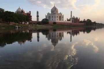 Agra Tour with Sunset Boat Ride in Yamuna River