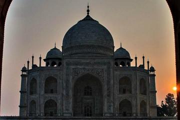 Day Trip from Delhi: Sunrise and Sunset of Taj Mahal