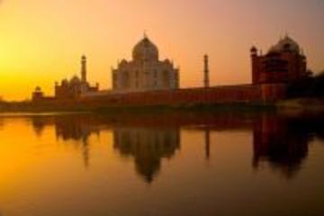 Tour giornaliero di 11 ore ad Agra: Alba e tramonto sul Taj Mahal