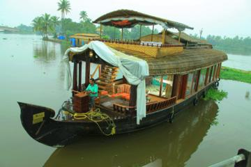 Kochi Private Tour: Overnight Alleppey Backwaters Luxury Houseboat...