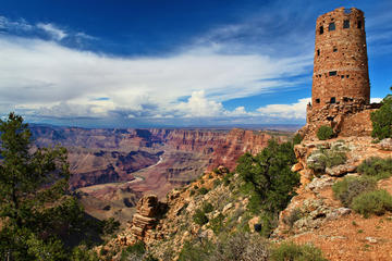 One-Day Grand Canyon Tour with Sedona and Navajo Reservation