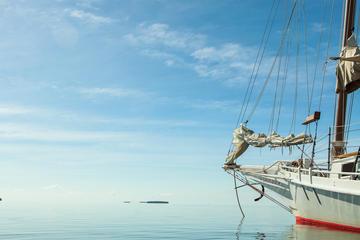 Halbtägige Bootstour mit Kajakfahrt und Schnorcheln