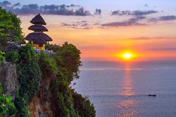 Private Tour: Half-Day Sunset Uluwatu Temple Tour Including Jimbaran Bay