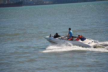 Motor Boat Rental in Lisbon