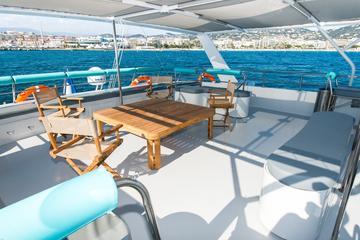 Crucero en catamarán durante el día o al atardecer desde Cannes con...