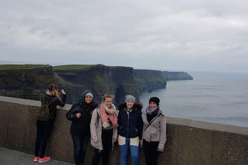 Tur till Moher-klipporna från Dublin