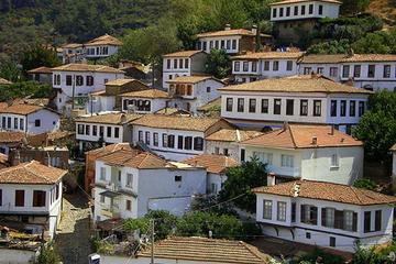 Taste of Turkey: Sirince Guided Day...