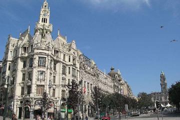 City tour de dia inteiro em Porto com almoço e degustação de vinho