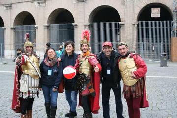プライベート ツアー:コロッセオと珠玉のローマ、優先入場特典付き