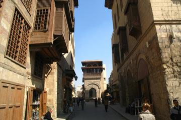 Private Old Cairo Photography Tour: Mosques, Souqs and Palaces