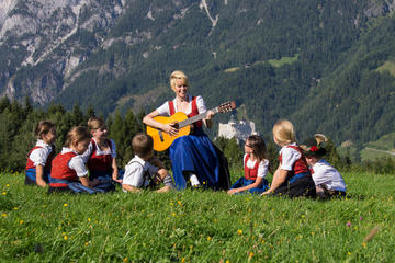 Private Full Day Sound of Music and Eagle's Nest Tour from Salzburg