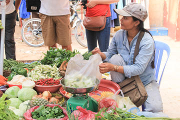 Explore an Authentic Cambodian Market with a Local in Siem Reap