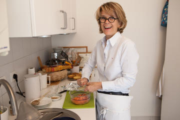 Private French Cooking Class and Lunch with a Local in Paris