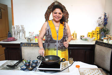 Private Indian Cooking Lesson and Lunch or Dinner in a Local Home in...