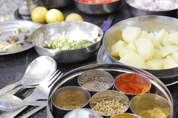 Private Indian Cooking Lesson in a Local Home in Jaipur