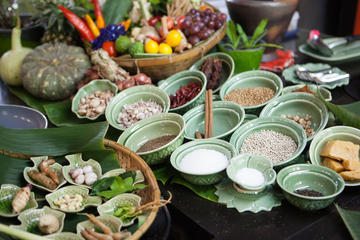 Private Tour: Thai Cooking Class including Scenic Boat Ride, Market...