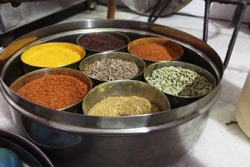 Private Vegetarian Rajasthani Cooking Class and Meal with Locals in Jaipur