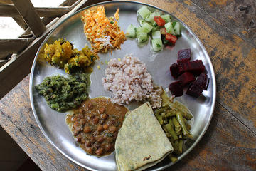 Sunday Morning Culinary Experience in Mysore: Private Market Tour and Vegetarian South Indian Cooking Lesson in a Local Home