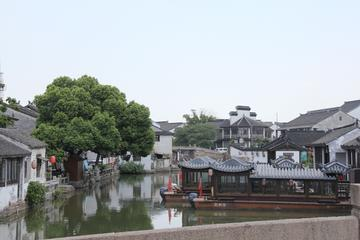 4 Days Private Tour to Shanghai and nearby Suzhou-No Shopping Stops