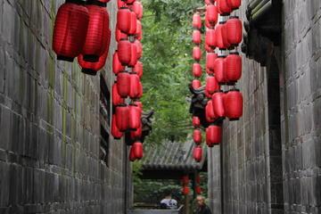 Private Chengdu Day Tour:Chengdu Research Base of Giant Panda Breeding-Jinli Street-Kuanzhai Xiangzi-No Shopping Stops