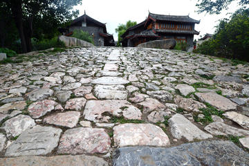 Small Group Day Tour to Lijiang City of Max 7 Travelers Yuhu Village-Yufeng Monastery-Baisha Village-Shuhe Ancient Town-No Shopping Stops