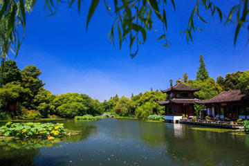 Private Hangzhou Day Trip by Bullet Train with Impression of West Lake Show