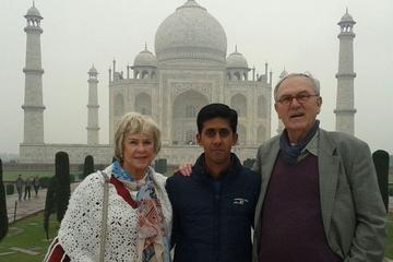 Private Full-Day Agra Tour With Taj Mahal and Agra Fort Round-Trip From Delhi