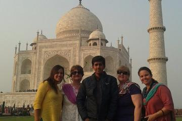 Tajmahal Sunrise View Tour From Delhi