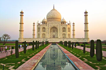 Taj Mahal and Fatehpur Sikri Tour of Agra from Delhi