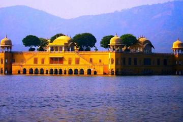 2-Night Jaipur Tour from Delhi by Fast Train