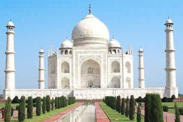 7-Day Taj Mahal and Khajuraho Tour: Agra, Gwalior, Datia and Orchha